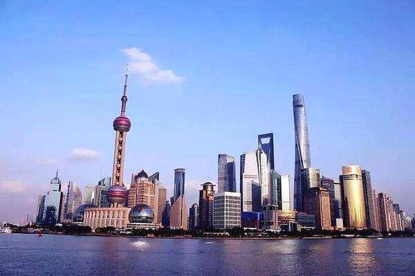 """陆家嘴""""双塔""""--金茂大厦和上海中心"""